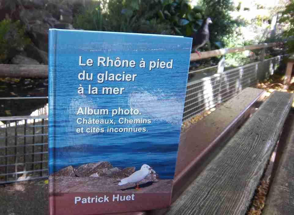 Le livre voyageur du Rhône à Lyon. Photo de Patrick Huet.