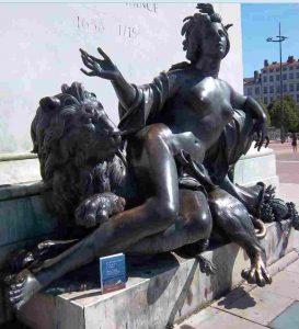 La Statue de la Saône place Bellecour à Lyon.