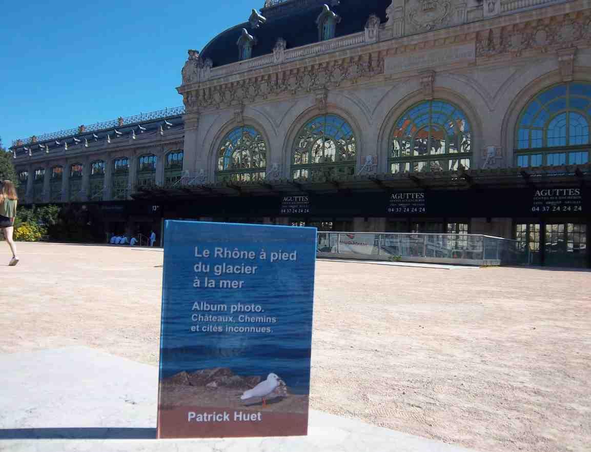 Le livre du Rhône à la gare des Brotteaux à Lyon.
