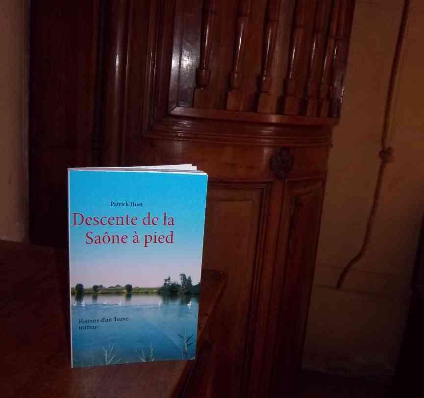 A l'Hôtel-Dieu de Belleville photo du livre de la Saône.